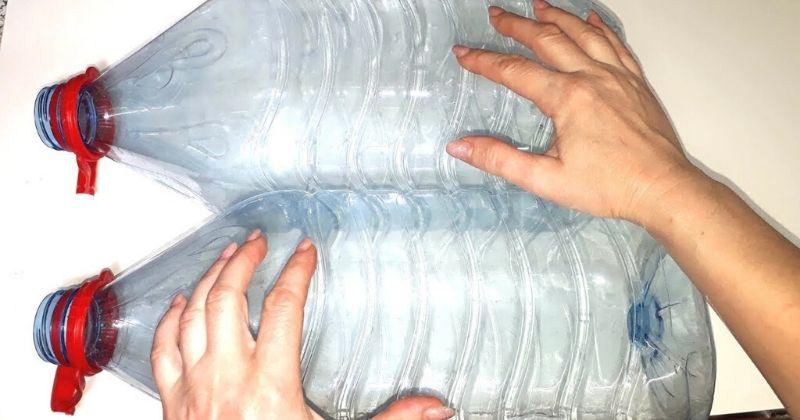 Что, если соединить большую пластиковую бутылку и ненужную одежду?