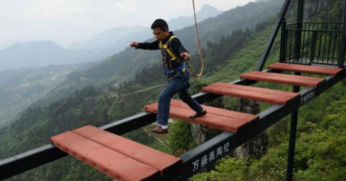 А вы готовы рискнуть? /Фото: koreaboo-cdn.storage.googleapis.com