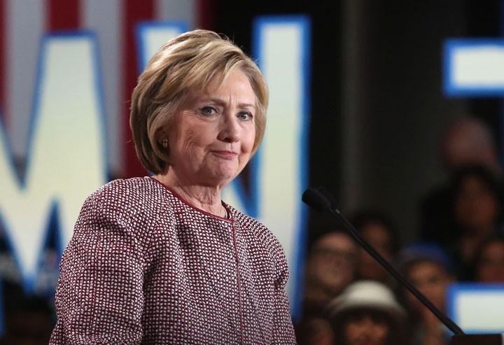 «Надо уметь проигрывать». Лидер демократов о поражении Хиллари Клинтон на выборах