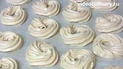 Меренги со сливками и клубникой - пошаговый фото-рецепт
