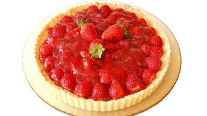 Очень вкусный пирог «Клубничная полянка»