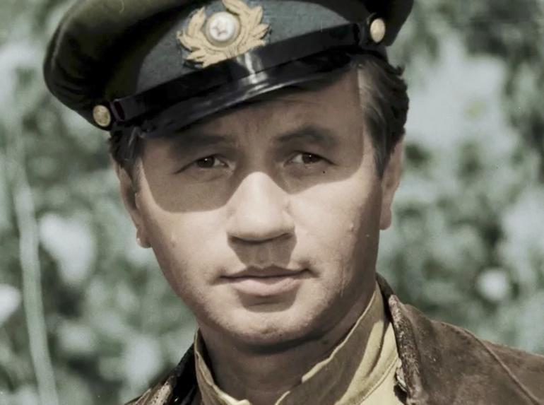 За что Министр Обороны СССР обматерил известного кинорежиссера Леонида Быкова