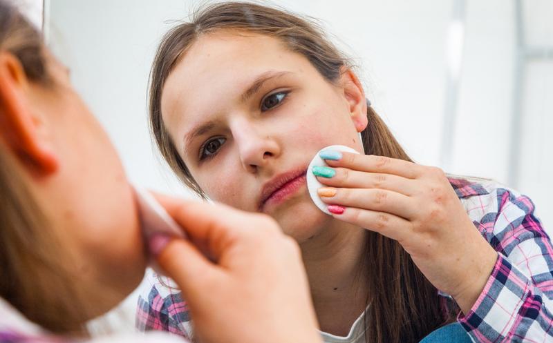 Опытный дерматолог: «Акне снаружи не лечится! Никакие французские и итальянские бренды не заменят подобную схему лечения»