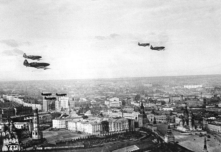 Как в декабре 1941 года в центре Москвы нарисовали фальшивый город