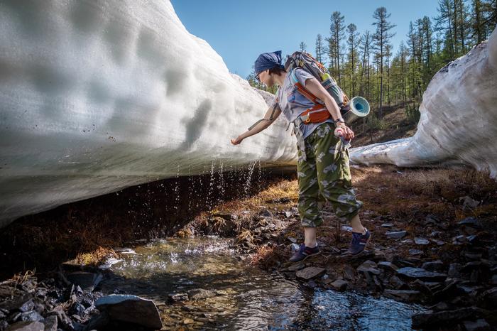 Увидев это, вы захотите в Якутию: прогулка по льду жарким летом