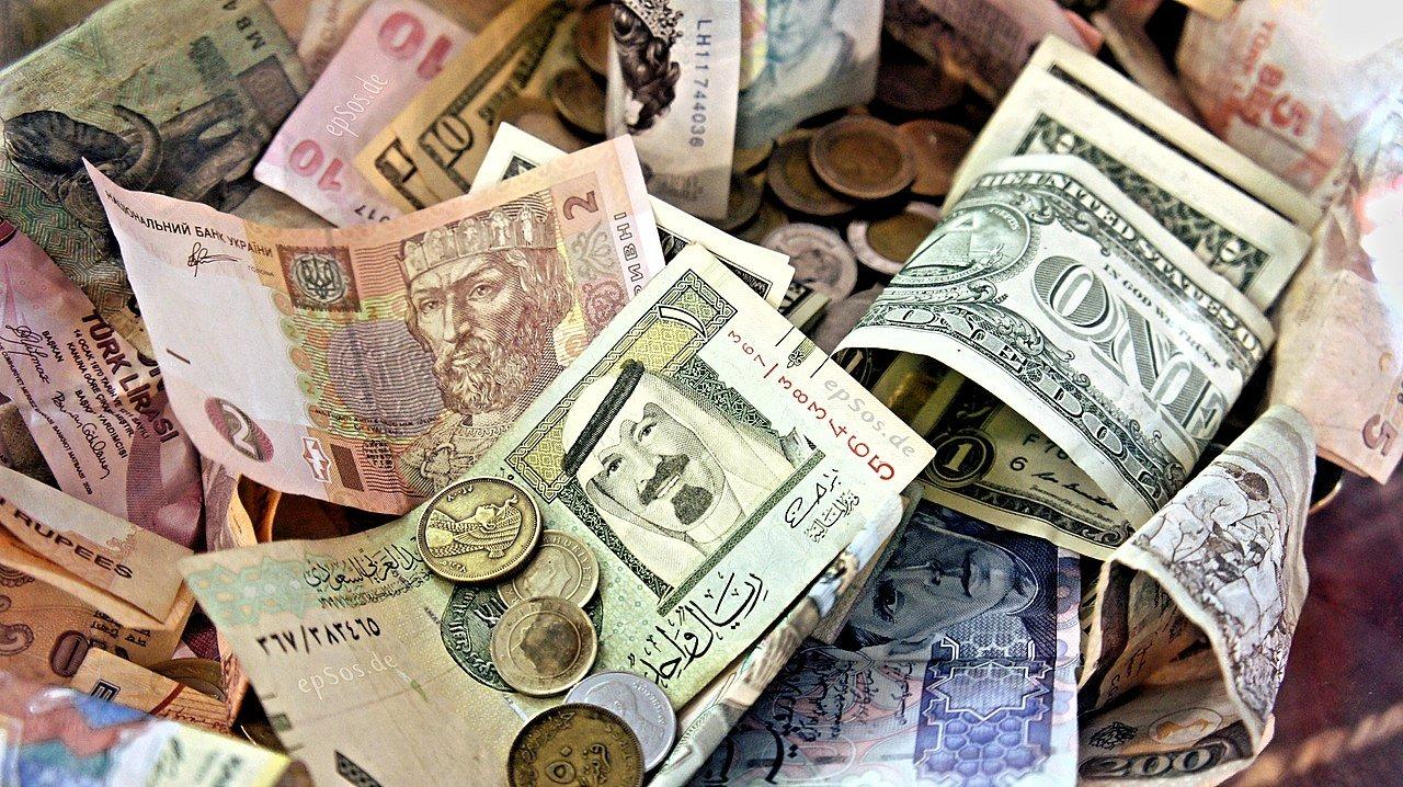 Отказ от доллара: Россия готова к любому сценарию