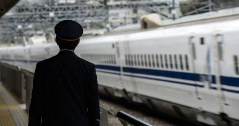 Японские железнодорожники извинились за отправление поезда на 25 секунд раньше