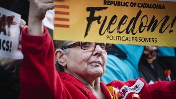 """У Мадрида нет свидетельств """"российского влияния"""" на ситуацию в Каталонии"""