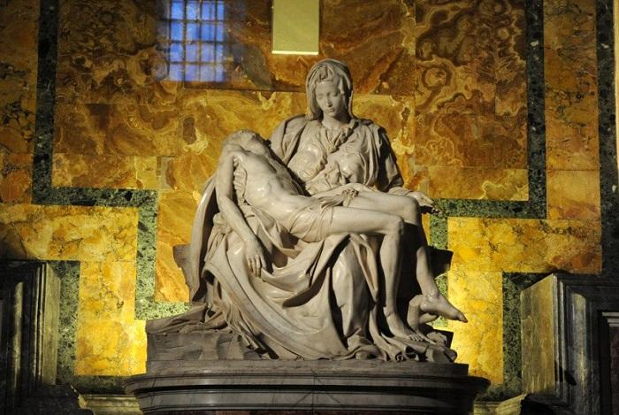 «Пьета» Микеланджело Буонарроти. История мраморной скульптуры с автографом гения