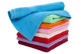 Кому нельзя вытирать лицо полотенцем?