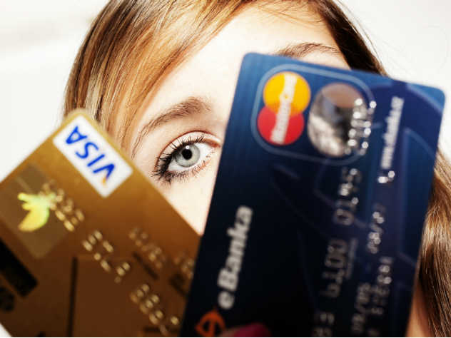 Крым останется без карточек Visa и MasterCard