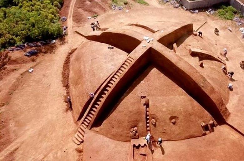 В Китае раскопали загадочную X-образную гробницу династии Цинь
