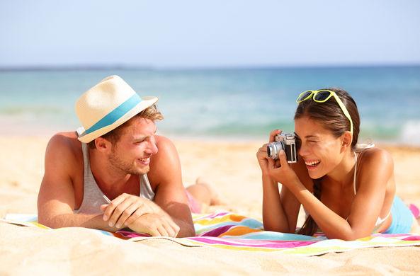 Выяснилось, сколько россиян заводят курортные романы