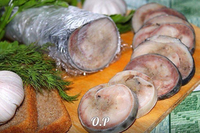 Удивите близких удивительным блюдом: Рулет из скумбрии