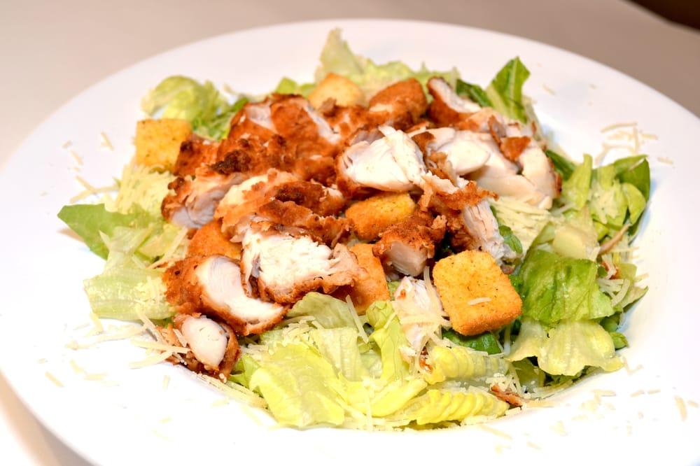 Салаты с курицей и кириешками: подбор ингредиентов, рецепт приготовления
