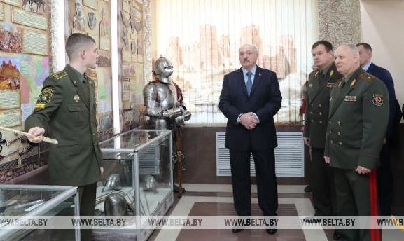 """""""А вы бы похоронили?"""": Лукашенко отказался сдавать Белоруссию"""