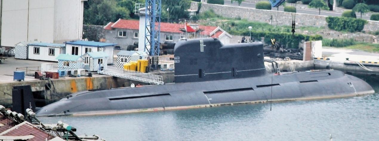 Китайская подводная лодка проекта 032 готовится к испытаниям нового типа баллистических ракет