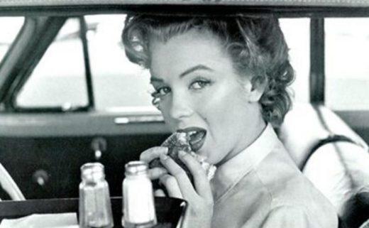 Завтрак красавицы: с чего начинали свой день Мэрилин Монро, Софи Лорен и Брижит Бардо
