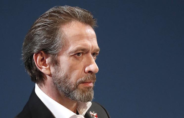 Поклонники были удивлены поступком актера. Владимир Машков не приехал на похороны брата