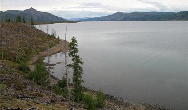 Огромная щука или реликтовый змей: Кто пугает людей в якутском озере Хайыр?