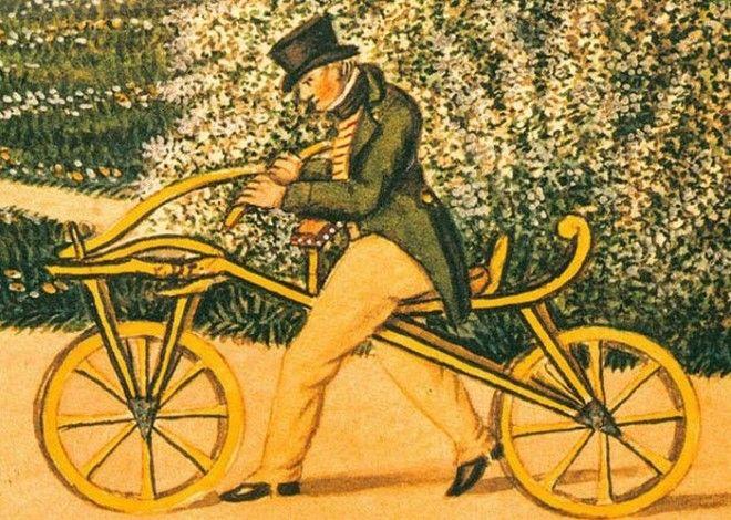 Первые велосипеды и лошади