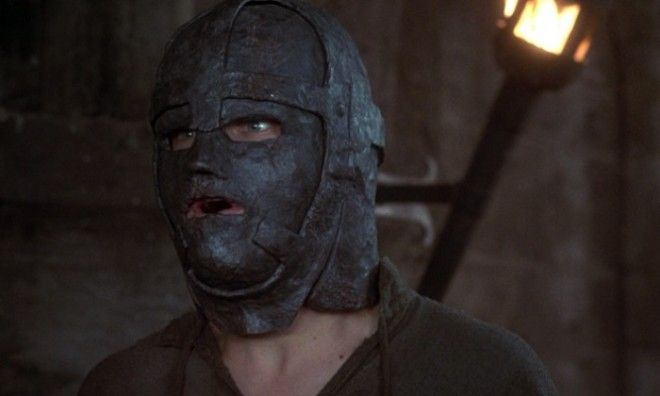 Узник в железной маске кто он