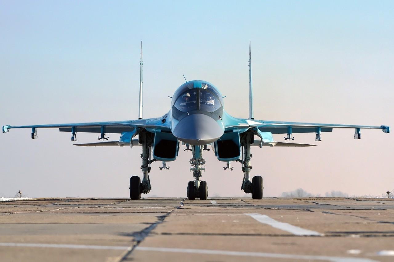 Партия новых Су-34 прилетела на восток для защиты России