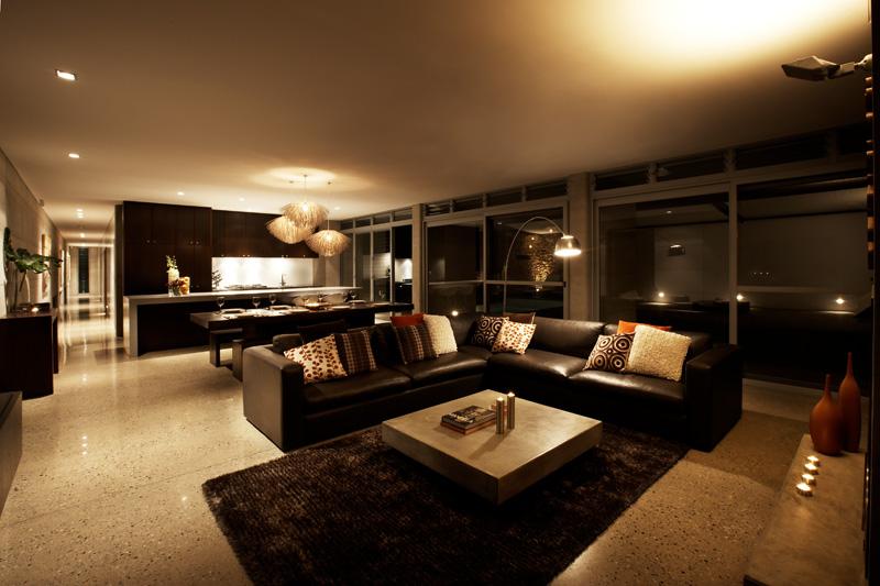 Дизайн интерьера гостиной в коричневых тонах: кофе и шоколад