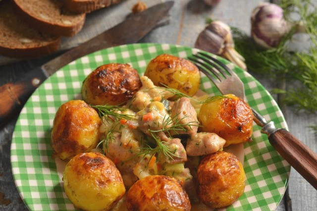 Свинина с кабачками и картошкой