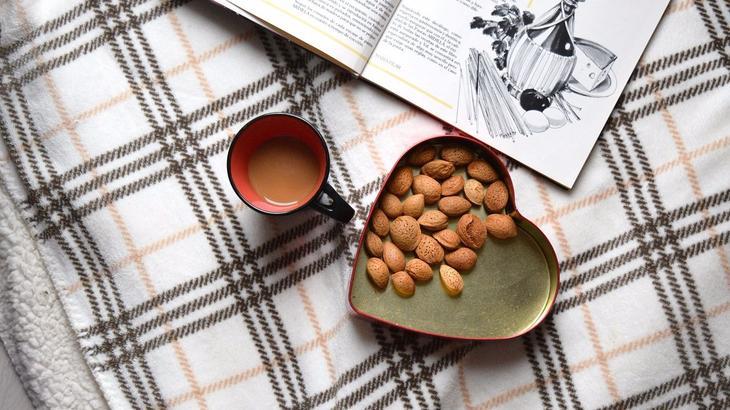 Чем полезен миндаль для организма и сколько его можно есть в день
