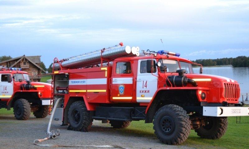 Пожарные расчеты были подняты по тревоге из-за пожара в центре Хабаровска