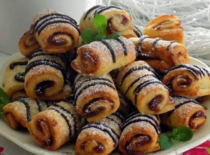 Быстрое творожное печенье с джемом и шоколадом
