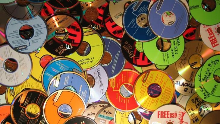 Не выбрасывайте старые компакт-диски: из них можно сделать оригинальные вещи