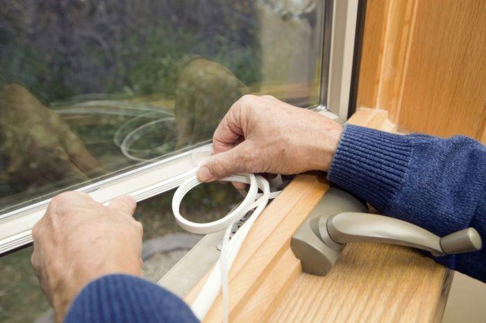 Готовим сани прямо сейчас - как утеплить пластиковое окно своими руками
