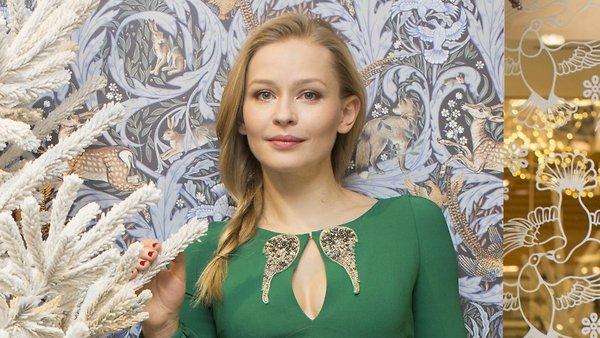 Лучшие новогодние наряды российских звезд