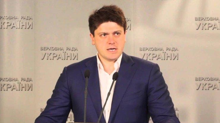 В партии Порошенко призвали мировое сообщество «придержать» Россию, пока ВСУ будут зачищать Донбасс