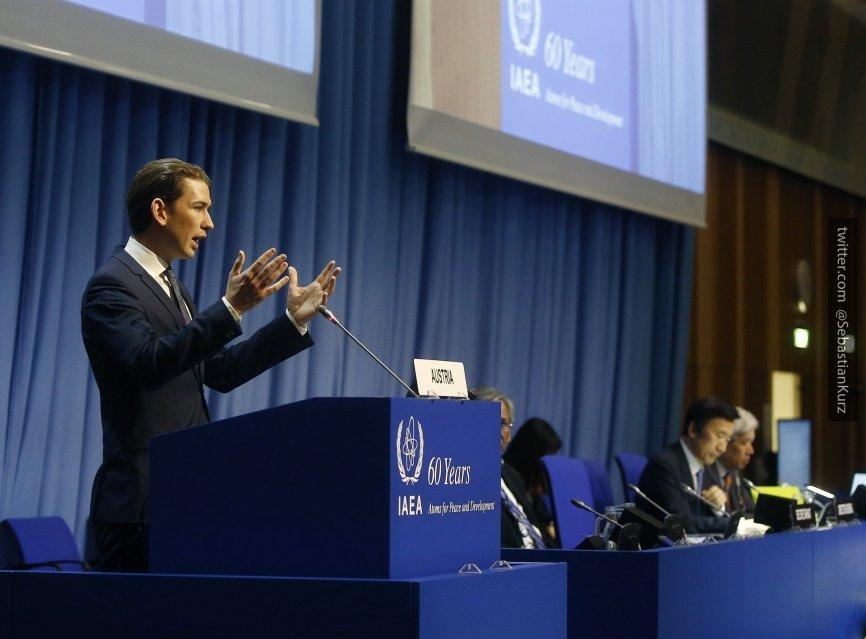Канцлер Австрии Себастьян Курц поддержал поэтапное снятие санкций с России