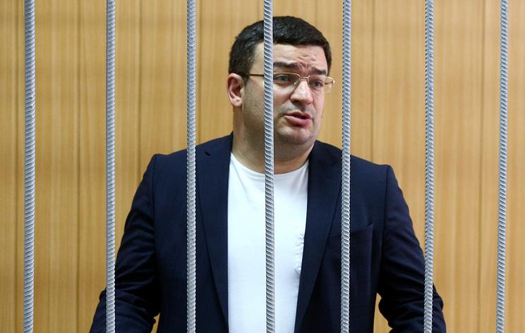 Замдекана юрфака МГУ арестовали по подозрению в мошенничестве на 39 млн рублей