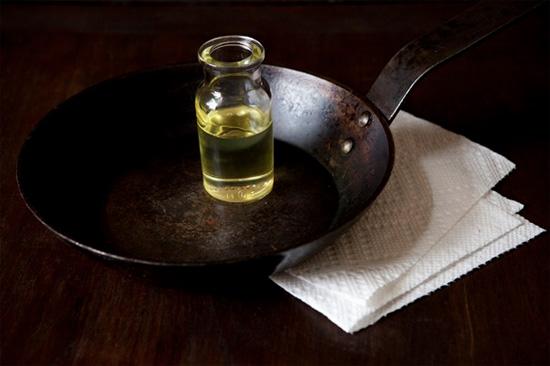Старый добрый чугун: советы по уходу за чугунной посудой