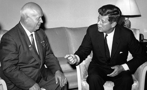 Никита Хрущёв и президент США Кеннеди