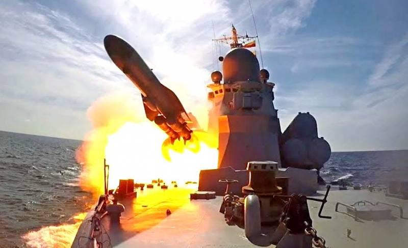 Новейший фрегат «Адмирал Макаров» сбил противокорабельный «Малахит»