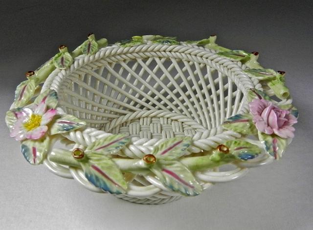 Белое ирландское фарфоровое плетение