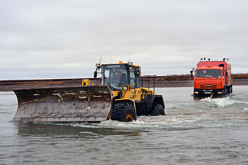 10109 Как вытаскивают утонувшие грузовики