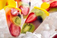 Фрукты и овощи можно замораживать как кусочками, так и целыми.