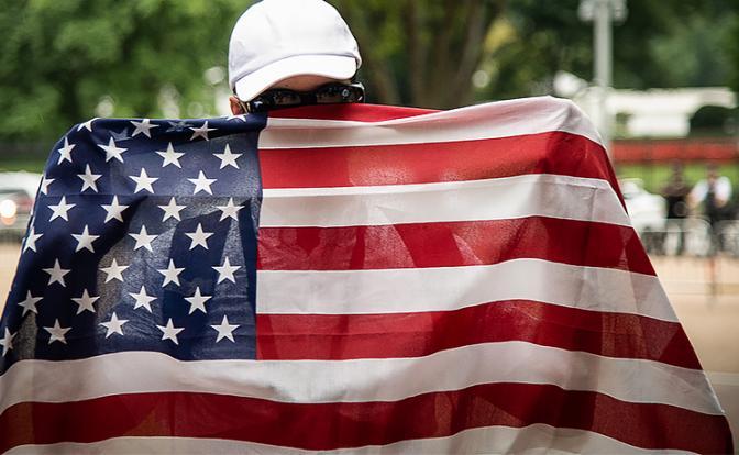 Мечты идиотов: Придет Америк…