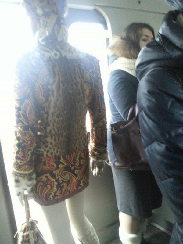 novaya-porciya-ugarnyx-fotok-modnikov-iz-metro_001