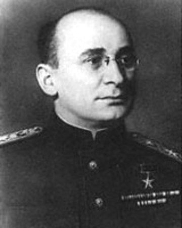 Черчилль считал, что Сталин «не понял» его сообщения о создании в США Атомной бомбы...