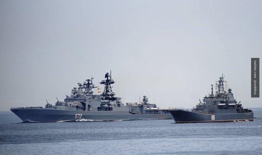 Экс-посол заявил о желании США лишить Россию сильных армии и флота