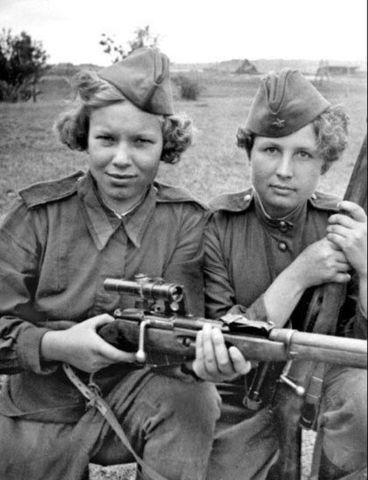 Фронтовые девчата