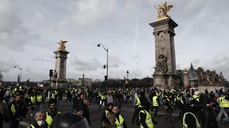 Шесть человек задержали в ходе протестов «желтых жилетов» в Париже